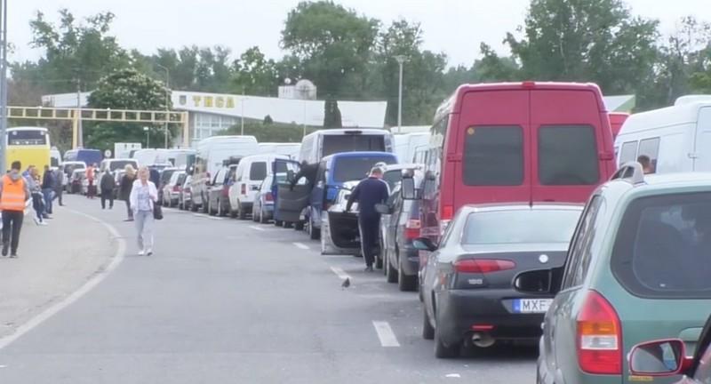 Черги на кордоні: велике скупчення машин спостерігається лише на КПП Тиса