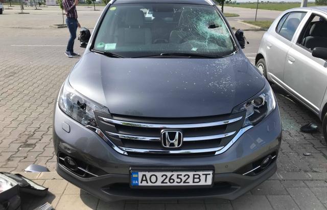 У Дебрецені, що в Угорщині, невідомі розбили автомобілі із закарпатською реєстрацією