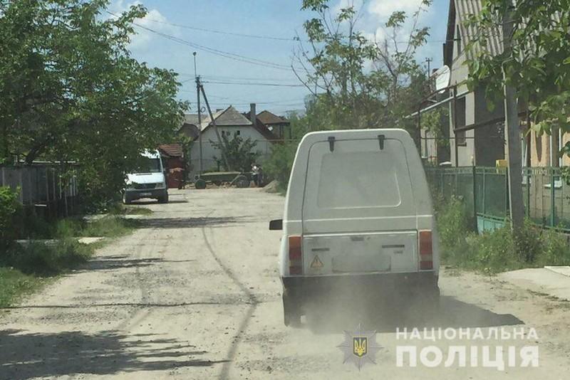 """Свідомі жителі Виноградова """"здали"""" нетверезого водія ЗАЗ-Таврія поліції"""