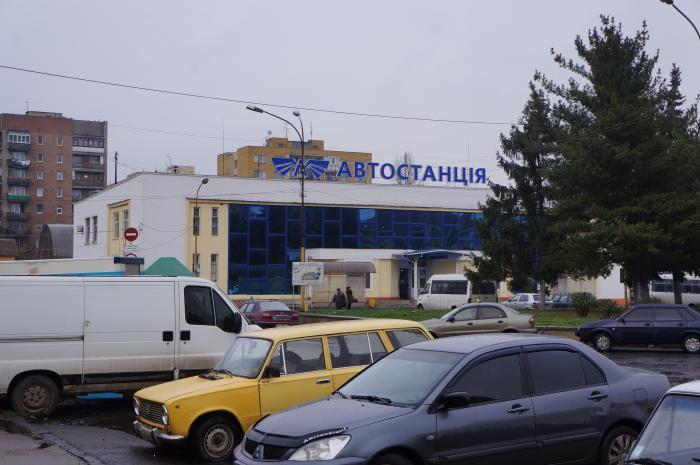 Погрожував ножем охоронцю: що коїлося на автовокзалі в Ужгороді