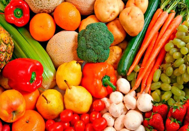 Перші вітаміни у Мукачеві: ціни на овочі щоденно знижуються