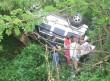 На Тячівщині трапилась жахлива ДТП: один автомобіль сильно пошкоджений, інший – у кюветі