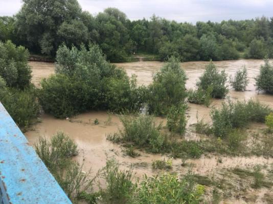Рівень води у басейні річки Уж перевищив історичний максимум 1988 року: влада заговорила про надзвичайну ситуацію