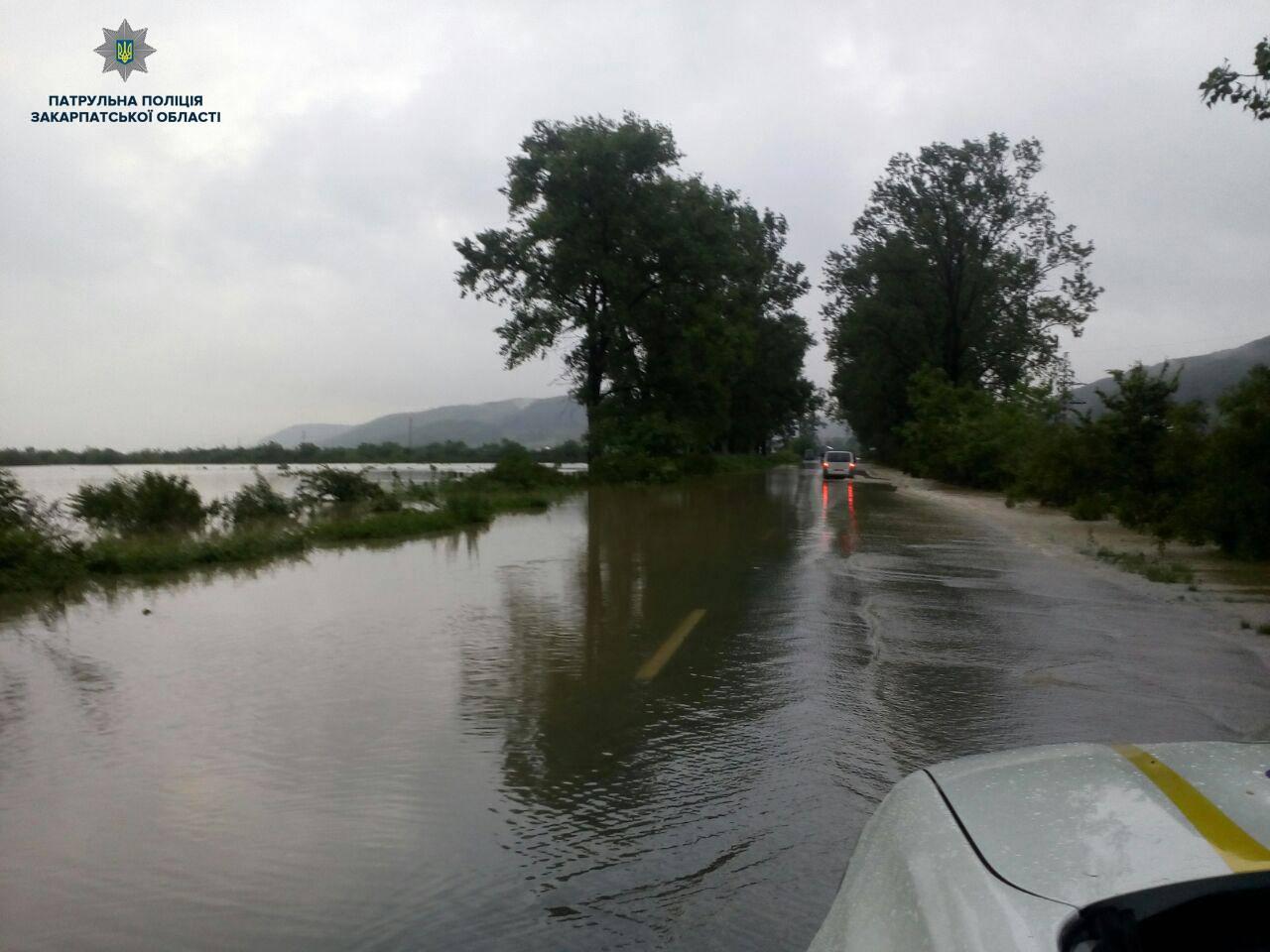 Біля скла Вільхівка ускладнено проїзд трасою Мукачево – Рогатин