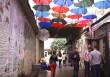 В Ужгороді невідомі пошкодили алею парасольок