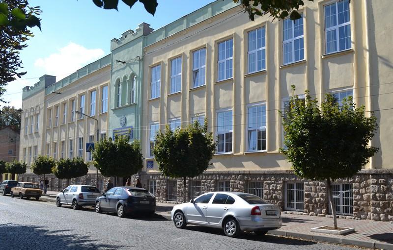 Мукачівський кооперативний торговельно-економічний коледж отримав ліцензію на підготовку бакалаврів