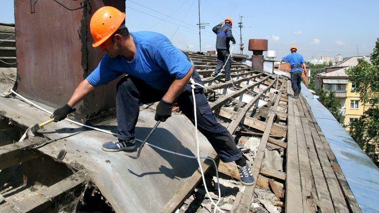 У Мукачеві новоствореним ОСББ коштом міського бюджету відремонтують дахи