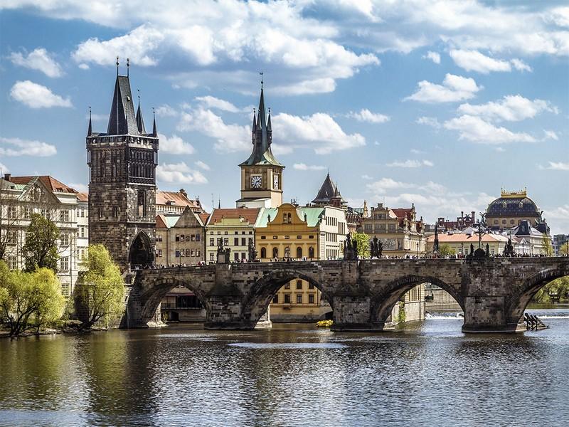 Із 28-річним хлопцем із Закарпаття сталася біда в Чехії. Він потребує допомоги