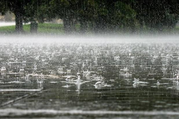 На Закарпаття після спеки насуваються сильні зливи та град