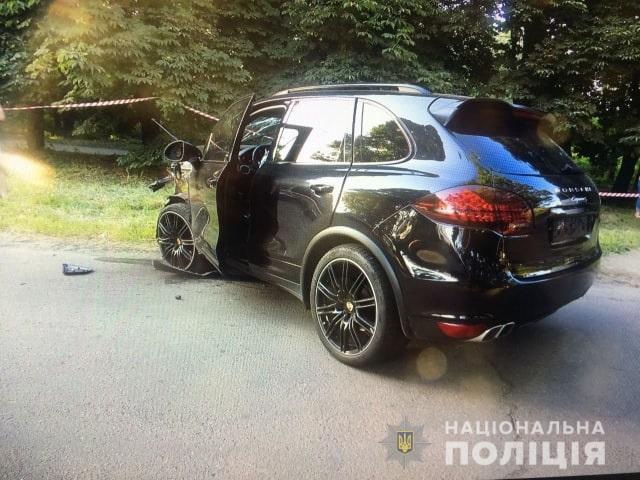 Аварія в Ужгороді: слідчі чекають для показів власника Porsche, за кермом якого була студентка
