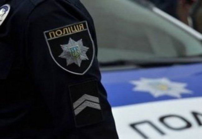Патрульні оприлюднили відео злочину, який чоловік скоїв в Ужгороді за 60 секунд