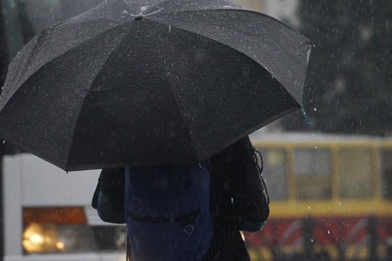 Синоптики попереджають про зливи та грози на Закарпатті 22 червня