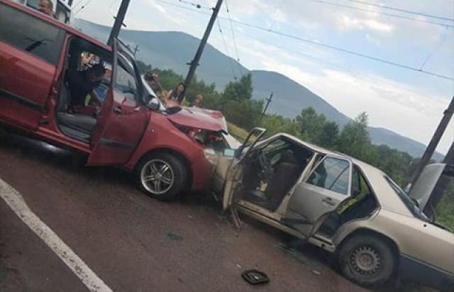 На Перечинщині сталась жахлива ДТП: зіткнулись дві автівки