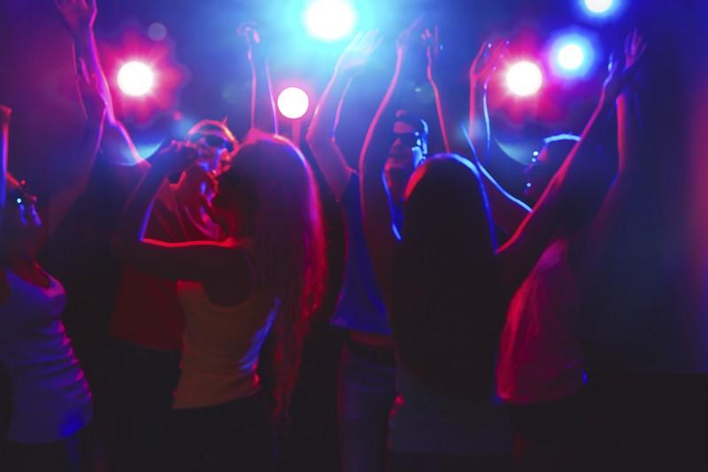 Дві дівчини пішли на дискотеку у селі Тарнівці і зникли. Їх розшукали у найбагатшому закарпатському селі Нижня Апша