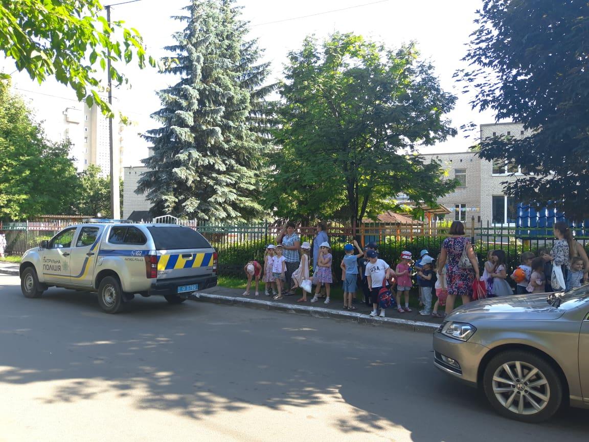 Замінування дитсадків Ужгорода: батьків просять не панікувати