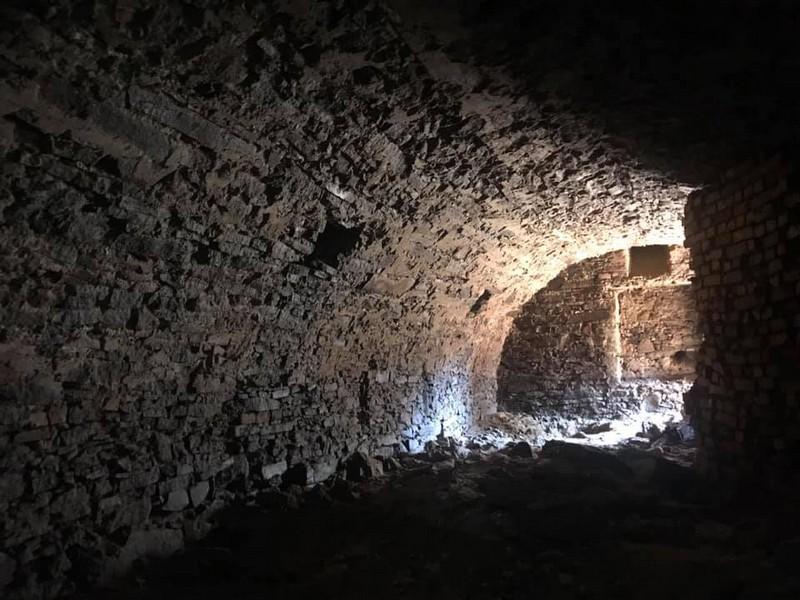 В Ужгороді під час будівництва торгового центру виявили старовинний підвал