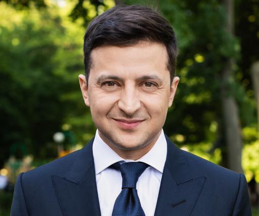 Зеленський в Ужгороді пообіцяв вирішити питання з євробляхами після виборів у ВР