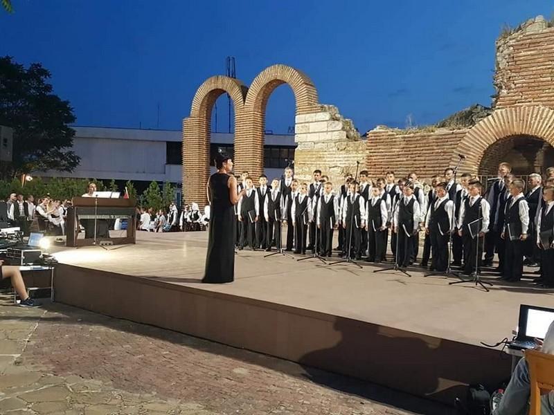 Мукачівський хор хлопчиків та юнаків виступав на Міжнародному мистецькому фестивалі у Болгарії