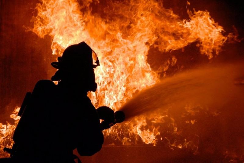 Вночі на Ужгородщині у селі Лінці спалахнула пожежа у недобудові