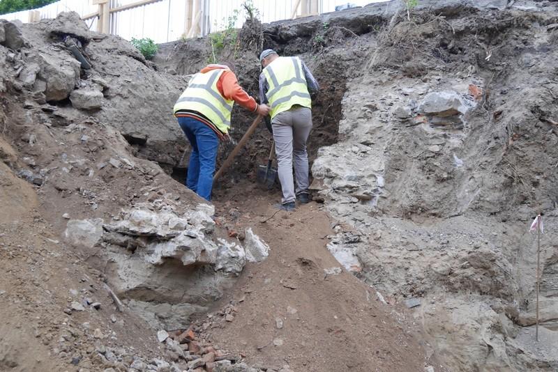 Під час будівництва виявили підвали: в Ужгород приїхав науковець Йосип Кобаль