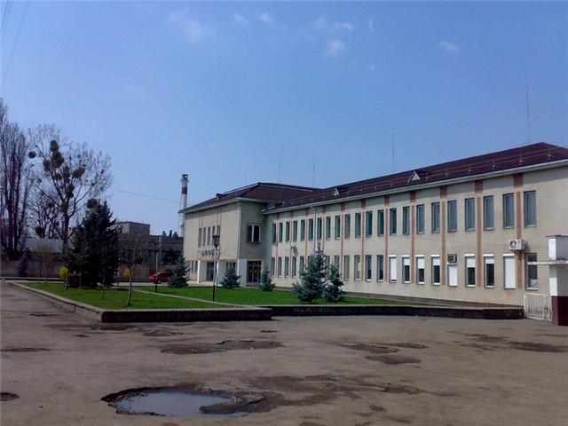 В Мукачеві стартувала реконструкція відомого спорткомплексу ДЮСШ