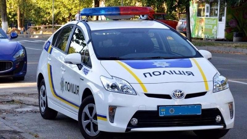 На Закарпатті шукали вибухівку в поліцейських автомобілях Toyota Prius