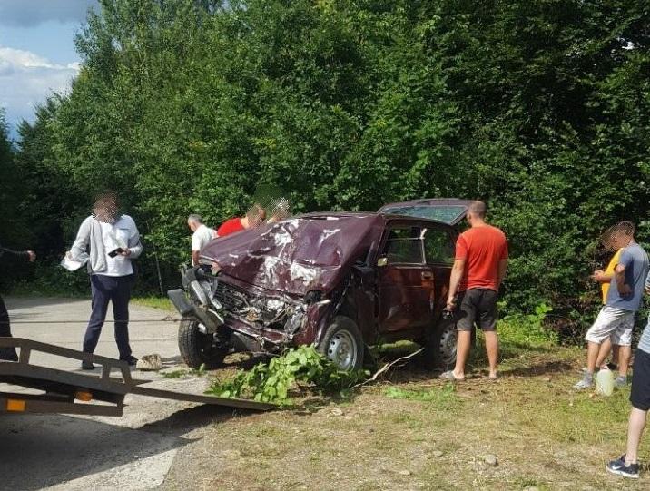 У селі Велятино Хустського району сталася смертельна аварія. Загинув водій і пасажир Ниви