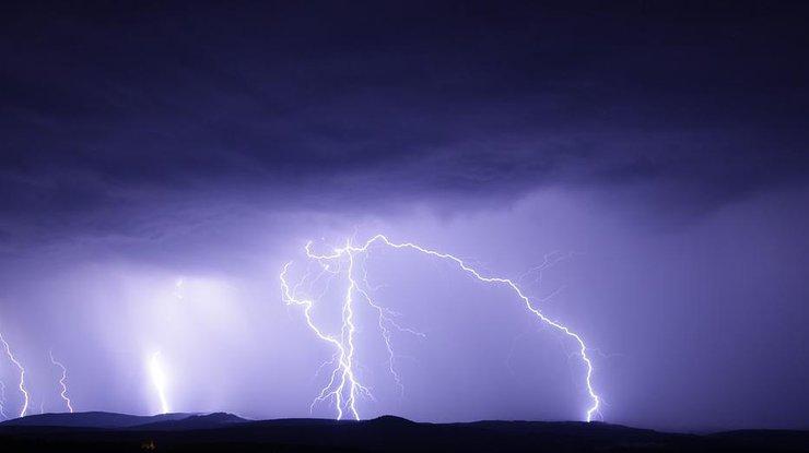 На Закарпатті 11 липня оголосили штормове попередження. Очікують грози та град