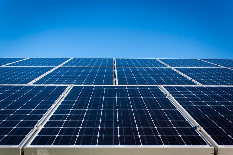 Верховна Рада спростила порядок встановлення сонячних батарей для приватних господарств