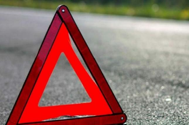 Авто злетіло в обрив і перекинулося на дах біля села Велика Копаня Виноградівського району