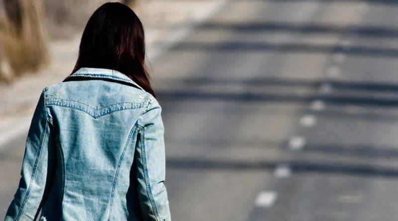 Поліція знайшла 17-річну дівчину, яка втекла з дому