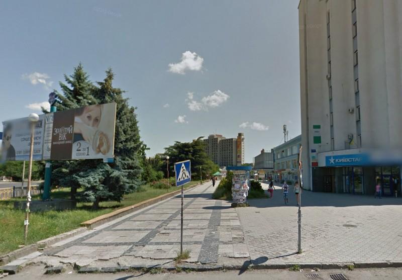 В Ужгороді посеред вулиці вбили жінку