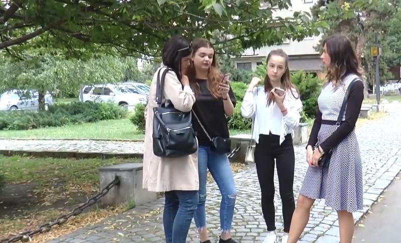 Шопінг у Мукачеві обернувся для двох дівчат пеклом. Ужгородок звинуватили у крадіжці крему в магазині органічної косметики в центрі Мукачева