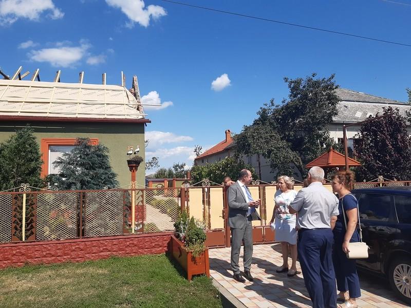 Ігор Бондаренко зустрівся із сім'ями, чиї будинки постраждали під час буревію