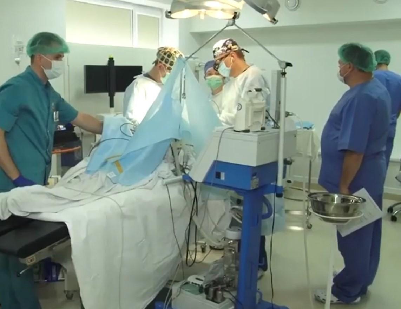 На Закарпатті провели унікальну операцію для порятунку 23-річного хлопця
