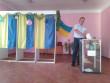 Вчора наречені укладали тут шлюб: у Новоселиці виборча дільниця оздоблена весільною атрибутикою