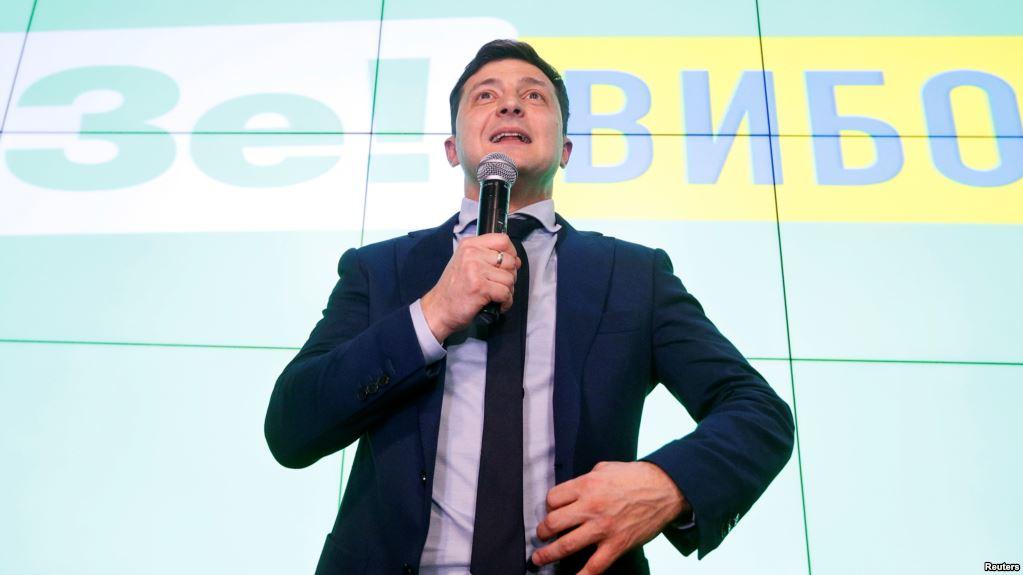 Президент Зеленський прийшов на дільницю голосувати: пряма трансляція
