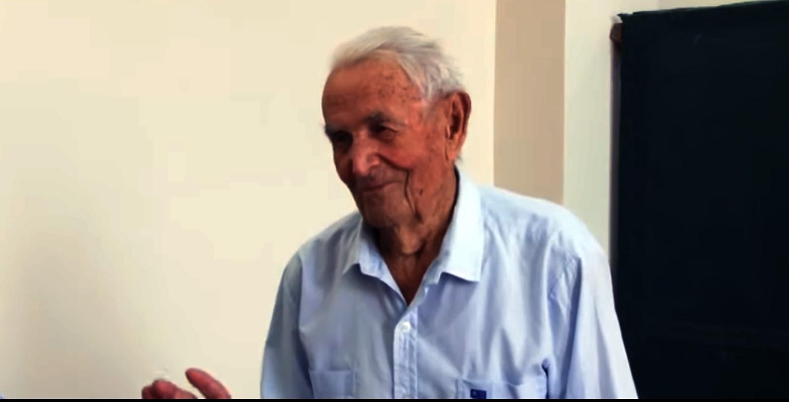 Вік не перепона: на виборчій дільниці Закарпаття проголосував 101-річний мешканець краю
