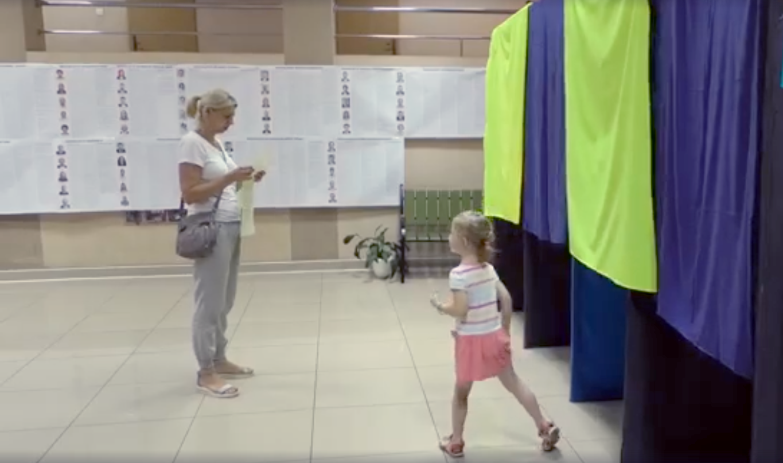 На виборчих дільницях Закарпаття рахують голоси