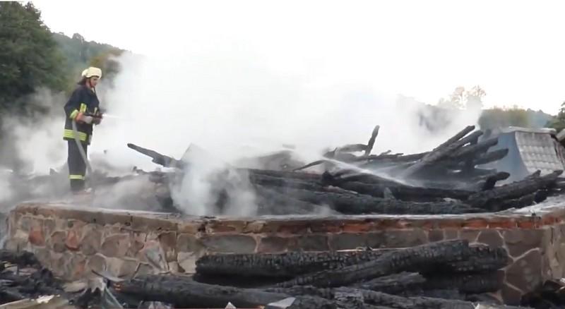 Резонансна пожежа: власник готельно-ресторанного комплексу каже, що заклад підпалили
