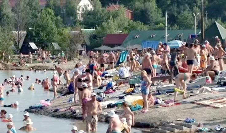 Відпочивальники активно приїздять в Солотвино