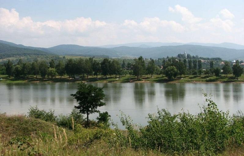 На Мукачівщині в озері знайшли труп