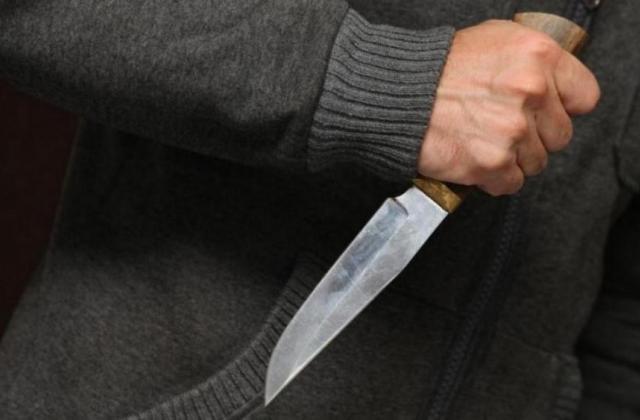 Хлопець, якого поранили ножем в Ужгороді, категорично відмовляється писати заяву в поліцію