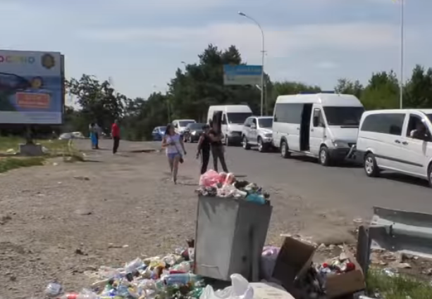 Побачене на в'їзді в Ужгород шокує людей