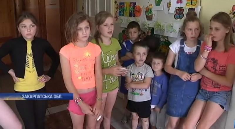 Били скакалкою і змушували мити унітази зубною щіткою: діти розповіли про нелюдські знущання у притулку