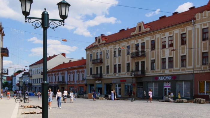 В Ужгородській міськраді оприлюднили оголошення для водіїв