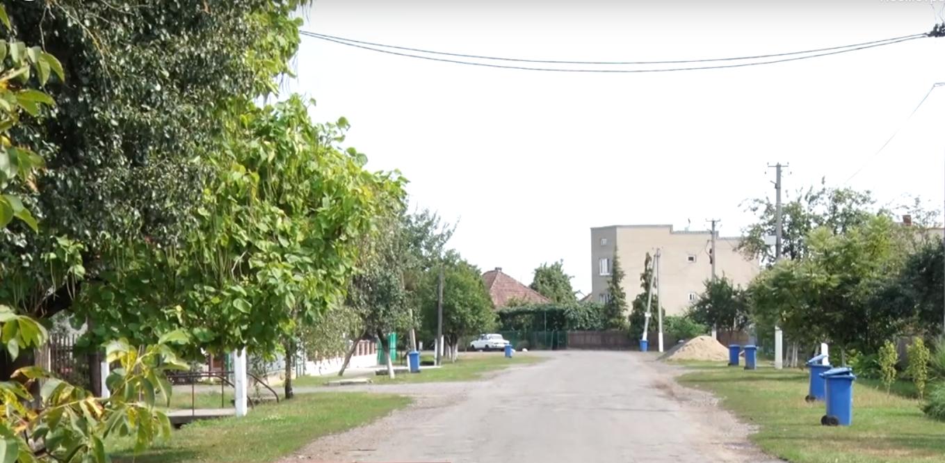 Жителі одного з сіл раптово залишились без транспортного сполучення з містом