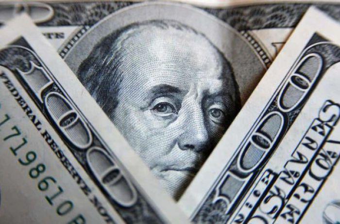 Тиждень розпочався значним обвалом долара