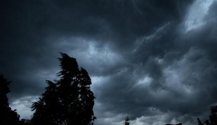 Сьогодні в області очікують зливи, грози та град