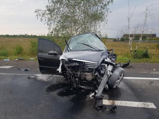 Оприлюднено нові фото з місця смертельної аварії біля Дубрівки